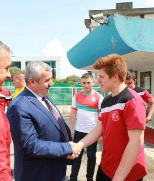 Başkan Baran, Körfezli güreşçilerden madalya sözü aldı