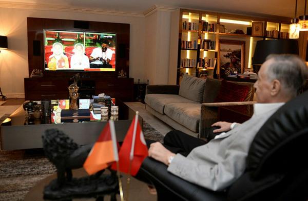 locada olacagi soylenmisti mustafa cengiz gaziantep macini boyle takip etti 1592768237331 - Locada olacağı söylenmişti... Mustafa Cengiz Gaziantep maçını böyle takip etti