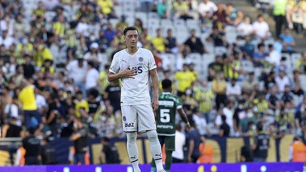 Fenerbahçe'de ikinci van Persie krizi kapıda! Mesut Özil...