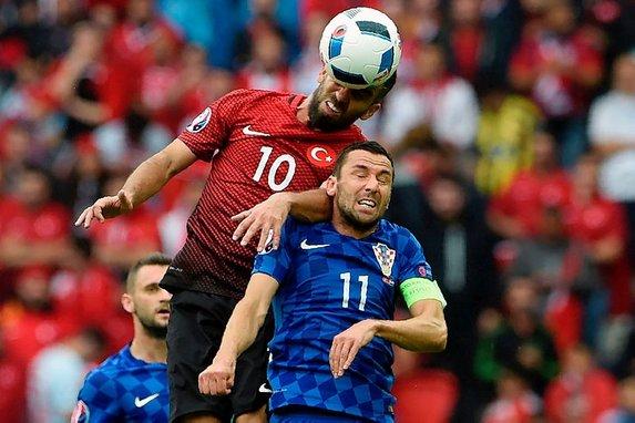 Beşiktaş'tan Hırvat operasyonu! Srna ve Mandzukic...