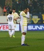Fenerbahçe'de üç isim kadro dışı!