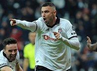 Beşiktaş'ta Burak Yılmaz formuyla göz dolduruyor!