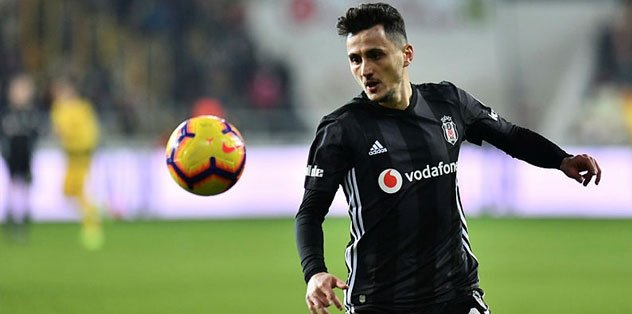 Mustafa Pektemek Beşiktaş'ta kalabilir!