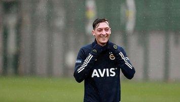 F.Bahçe'de tarihi gün! Mesut Özil imzayı atıyor