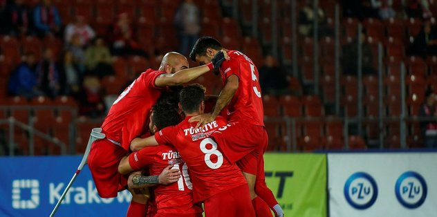 Son dakika spor haberleri: Helal olsun size! Ampute Milli Takımı Avrupa şampiyonu - Son dakika Di...