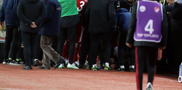 Beşiktaş'ta Burak Yılmaz'ın kafasına yabancı madde isabet etti!