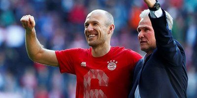 Robben'i bırakmıyorlar
