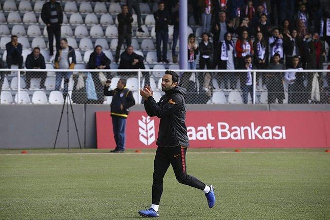 Galatasaraydaki Gomis krizinde Selçuk İnan detayı!