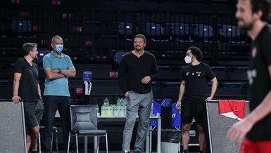 Hidayet Türkoğlu  A Milli Erkek Basketbol Takımı'nın antrenmanını takip etti