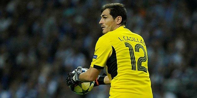 Iker Casillas futbolu bıraktığını açıkladı